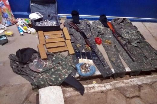 Drogas, armas, munição e material ilícito, são apreendidos pela PM em Rio de Contas