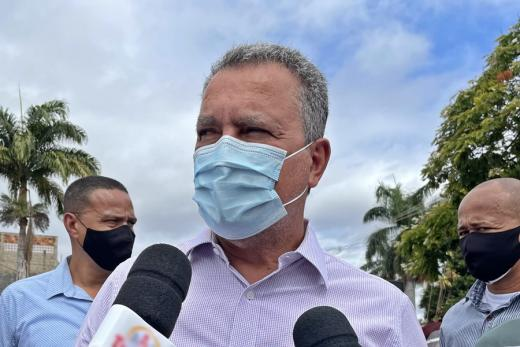 Rui critica postura de Bolsonaro contra uso de máscaras