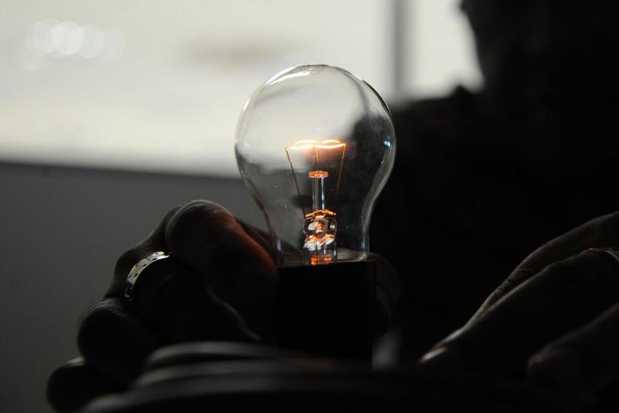 Senado aprova inclusão de famílias do CadÚnico para desconto na conta de luz