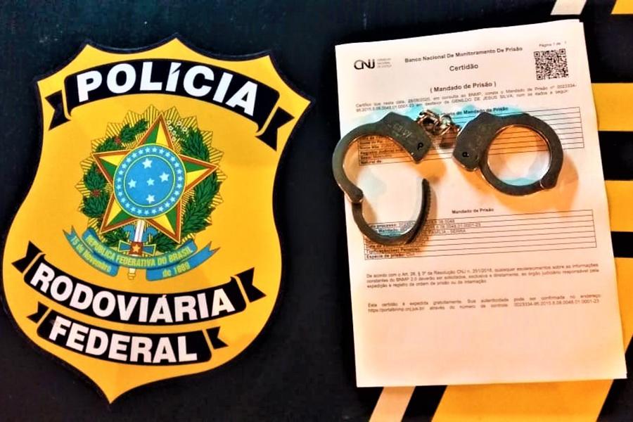 Fugitivo do presídio em Pernambuco, traficante de drogas é preso pela PRF em Poções