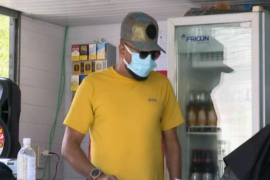 Sem shows na pandemia, cantor Silvanno Salles abre bar em Salvador