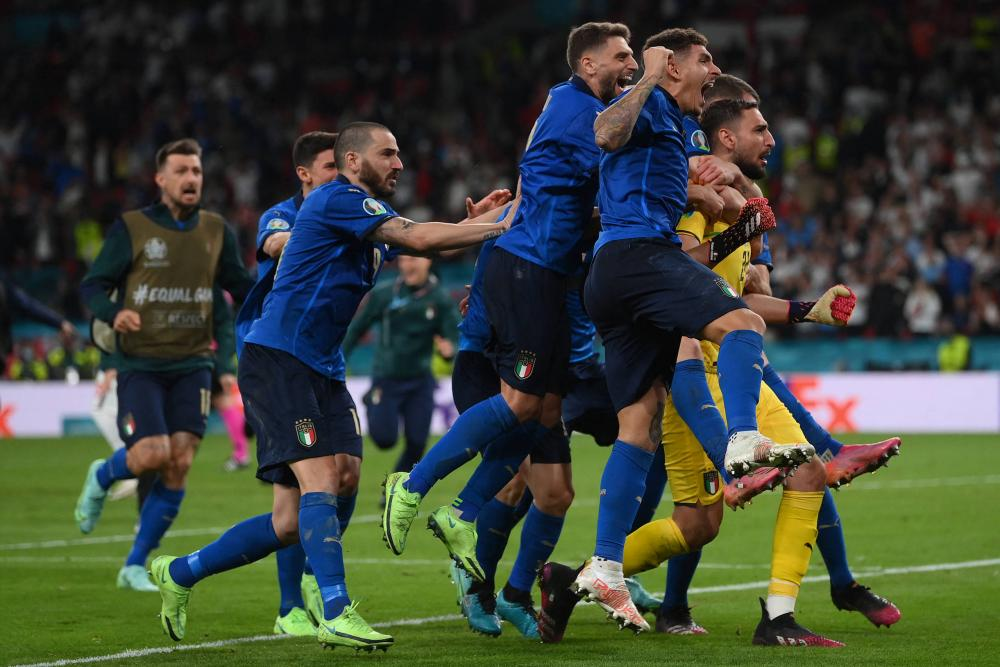 Itália vence a Inglaterra nos pênaltis e se torna bicampeã da Eurocopa