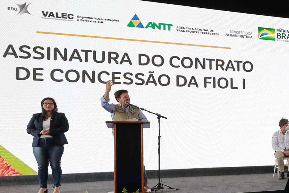 Ministro João Roma enaltece trabalho de Cidão Aracatu em Iguatemi; virou 'Tarcisão dos asfalto'