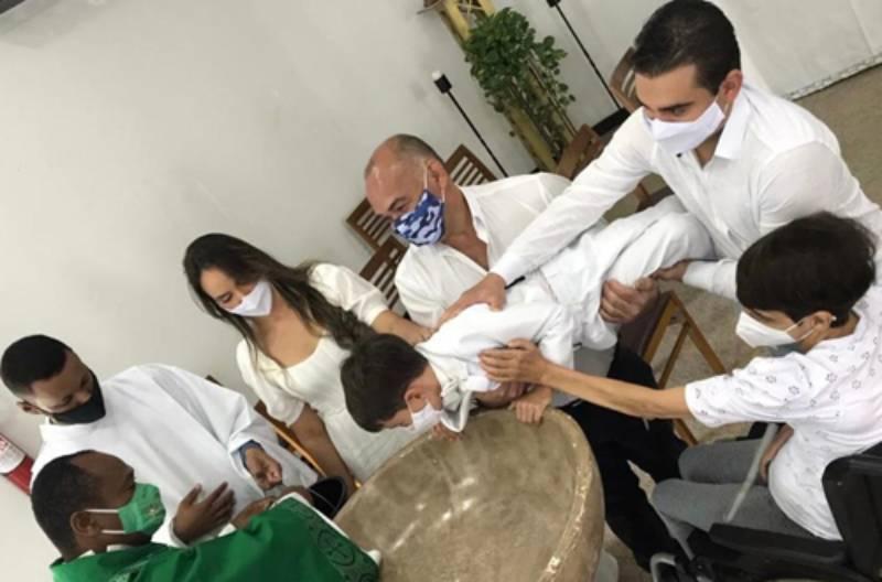 Garotinho conquistense que 'viralizou' em batizado poderá participar do programa de Fátima Bernardes, da Globo