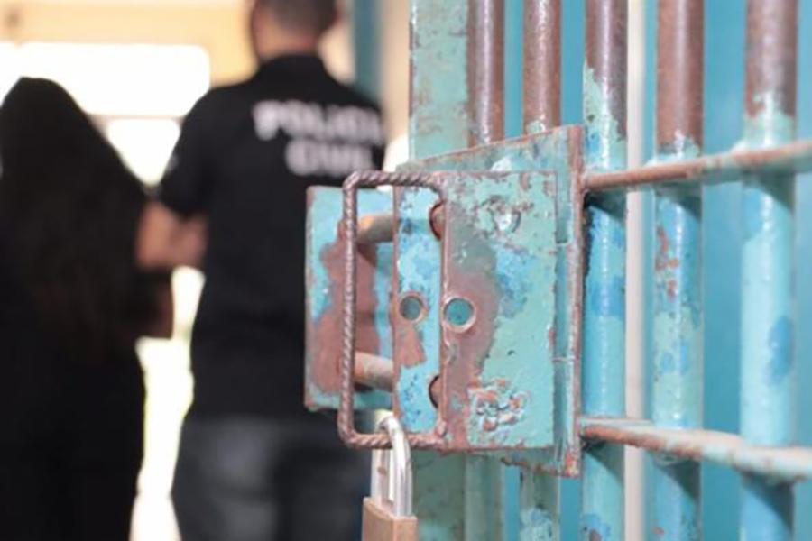 Homem se entrega em ação contra grupo de ataque a banco em Guanambi