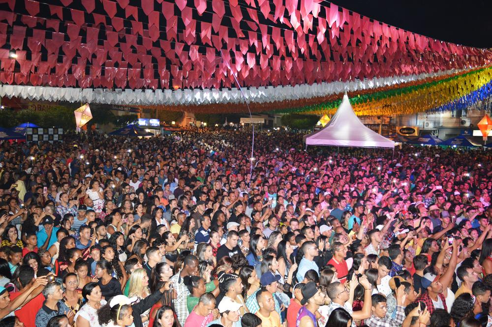 Novo decreto autoriza eventos com até 1200 pessoas no Estado da Bahia