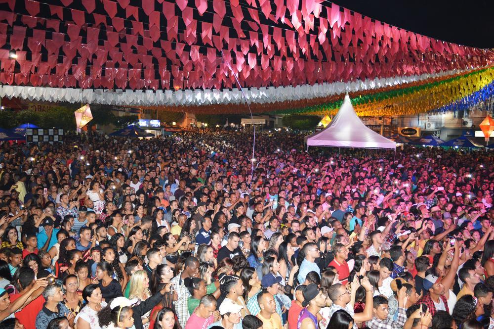 Bahia prorroga liberação de eventos com público de até 1.100 pessoas