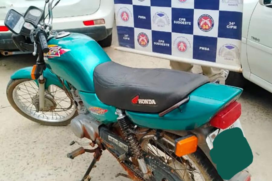 Polícia Militar recupera em Brumado, motocicleta roubada no ano de 2016