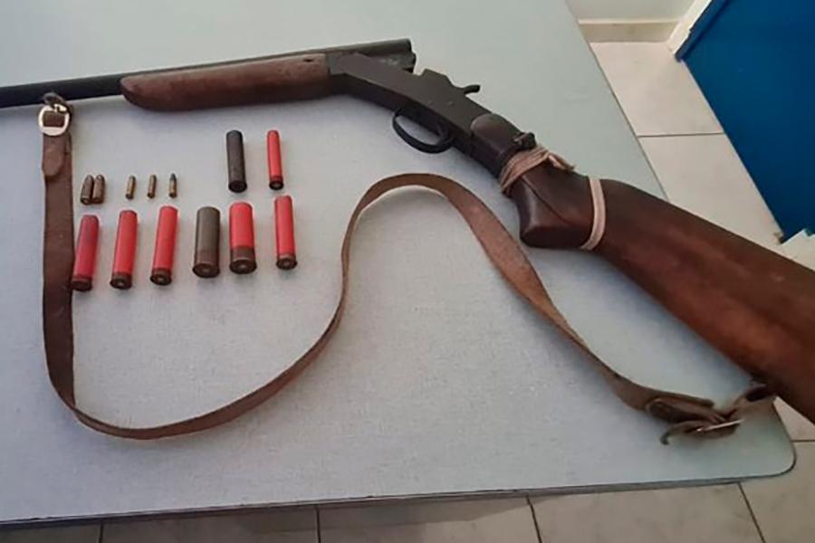 Presidente Jânio Quadros: Polícia Militar apreende arma de fogo e munições