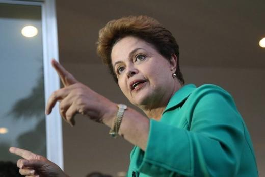 Ex-presidente Dilma Rousseff é internada em Porto Alegre