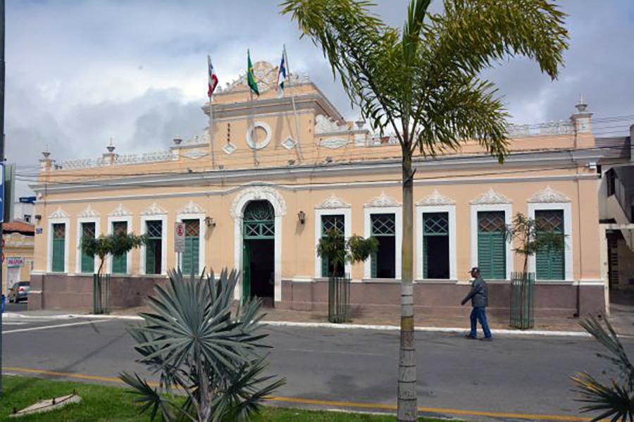 Prefeitura anuncia retorno das aulas semipresenciais na rede pública e privada em Vitória da Conquista; 'Dia 12 de julho'