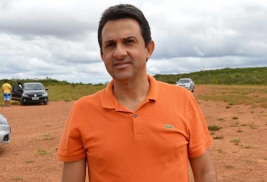 Rio de Contas: Prefeito é desmentido depois de dizer que pagou salários e 13º aos servidores