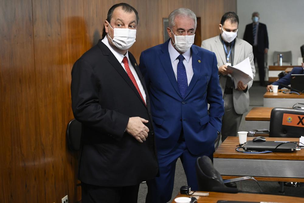 Nise Yamaguchi diz que foi humilhada em CPI, e processa senadores Otto Alencar e Omar Aziz