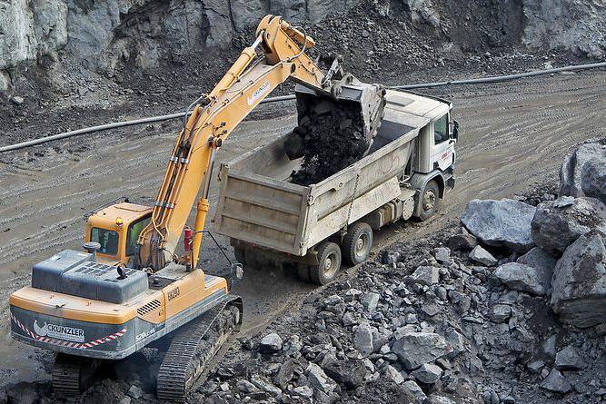Governo apresenta potencial mineral do Vale do Paramirim a prefeitos