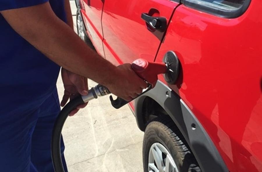 Preço da Gasolina sobe nas refinarias nesta quinta-feira (12)