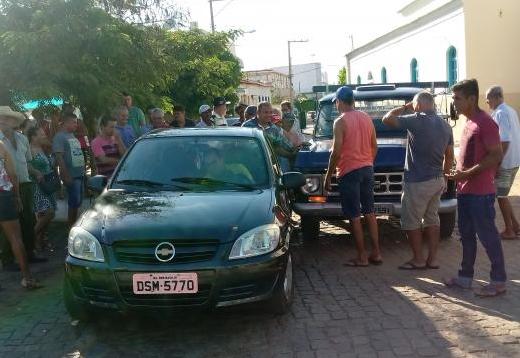 Dom Basílio: Acidente é registrado na Praça São João no centro da cidade