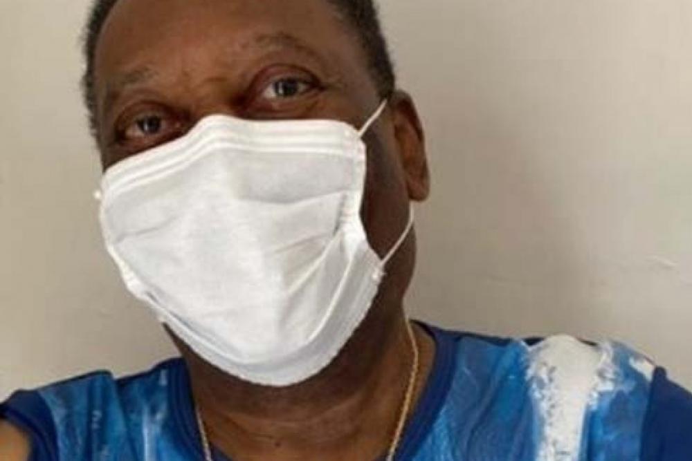 Pelé recebe alta de UTI e vai para o quarto após 10 dias