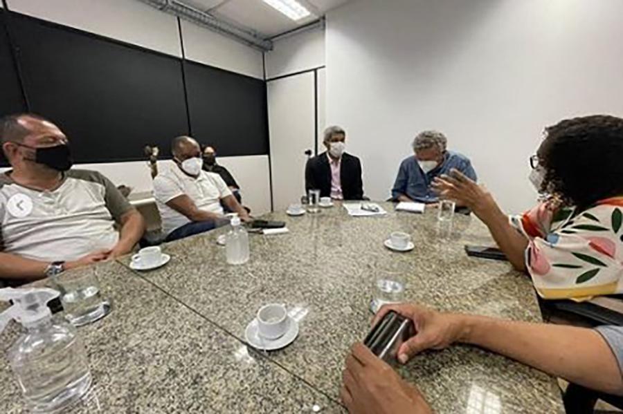 Reunião entre APLB e governo da Bahia sobre aulas presenciais permanece sem acordo