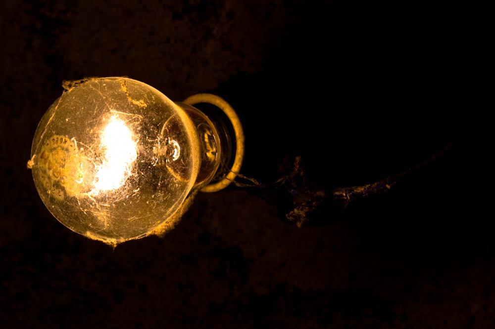 Conta de luz poderá ter aumento de até 20% em julho