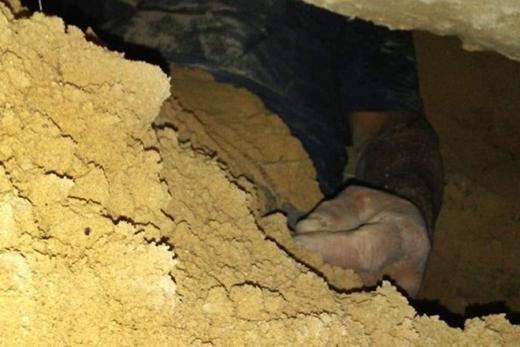 Homem cava túnel para espionar a ex-mulher e fica preso por 24h