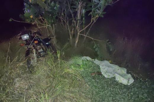 Dom Basílio: Batida entre carros e moto deixa um morto