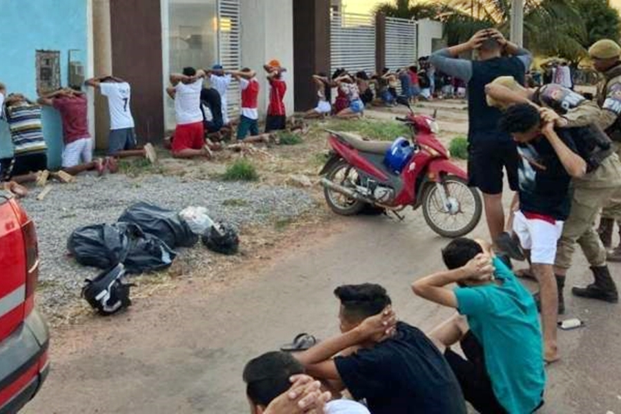 PM encerra festa em Luís Eduardo Magalhães e conduz 34 pessoas para delegacia