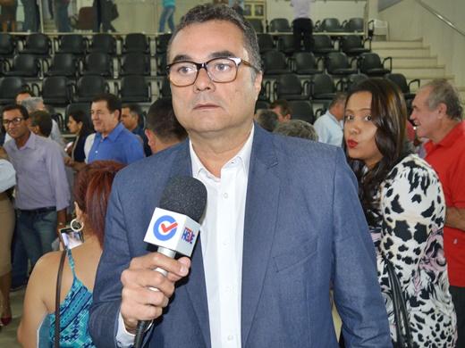 Vereador Dr. Vinícius Costa diz que prefeito usa de 'meias verdades' para enganar a população e que câmara não é contra suplementação