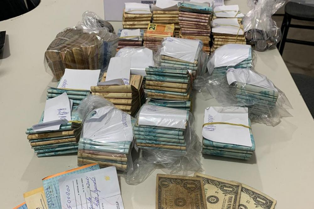 Sudoeste: Mais de 60 pessoas são detidas em rinha de galo e PM apreende R$ 200 mil