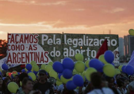 Congresso da Argentina aprova legalização do aborto