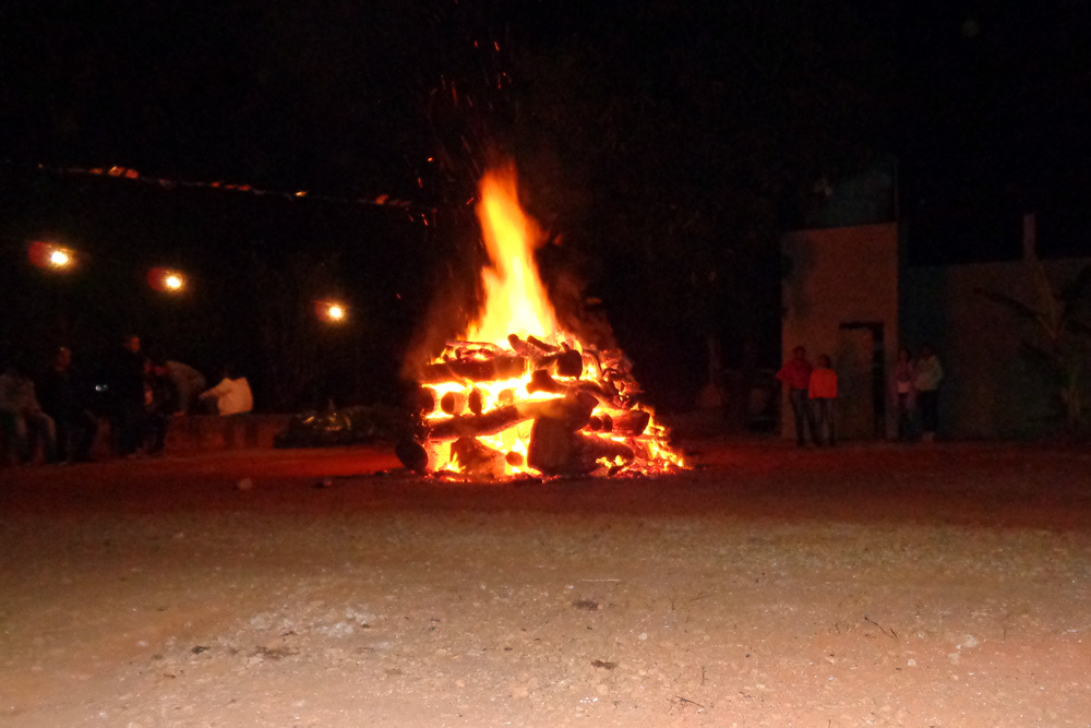 'Não vamos proibir fogueiras, seria lutar contra uma tradição histórica', diz Rui Costa