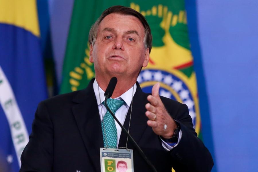 Bolsonaro diz que 'não acredita nada' na urna eletrônica