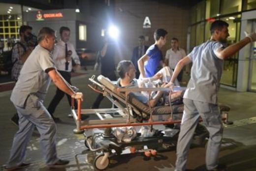 Mundo: Ataque suicida a aeroporto de Istambul deixa 36 mortos e 147 feridos