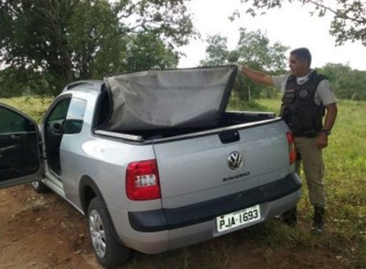 Dois corpos são encontrados em carroceria de veículo em Feira de Santana