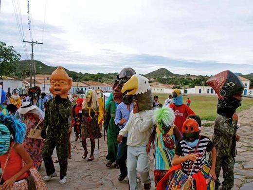 Governo estadual promove folia carnavalesca em toda Bahia